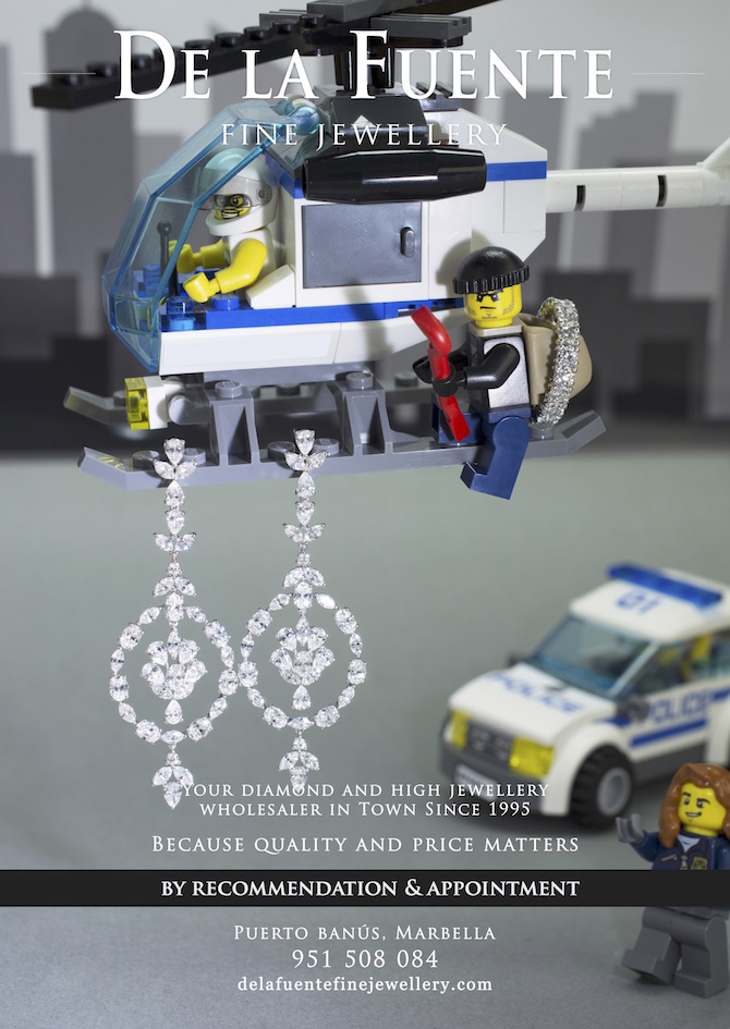 De-la-Fuente-Fine-Jewellery-advert-thieve-earrings-playmobil